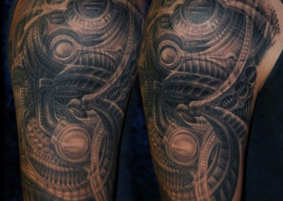 Biomechanik Giger-style Cover-up tattoo Überdeckung