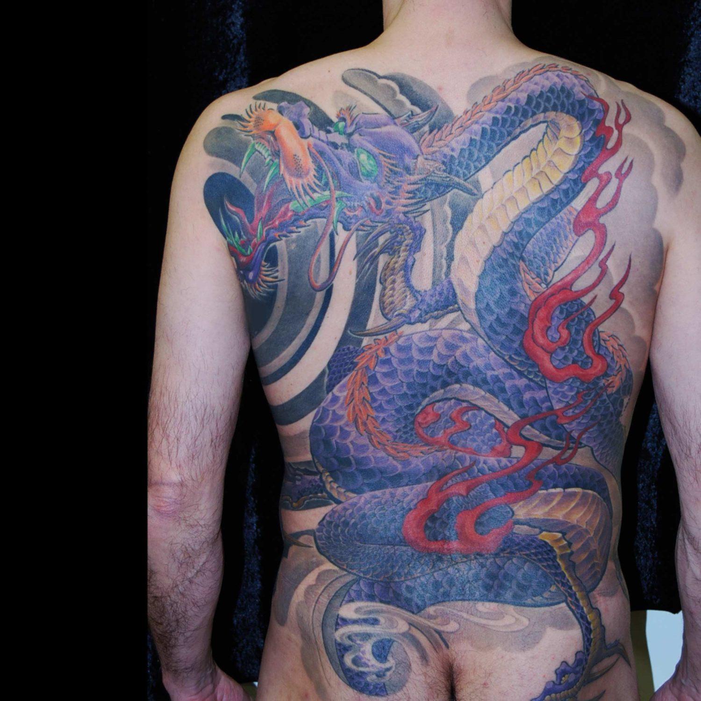 Japan Drache Tattoo mit Wind und Flammen Backpiece München