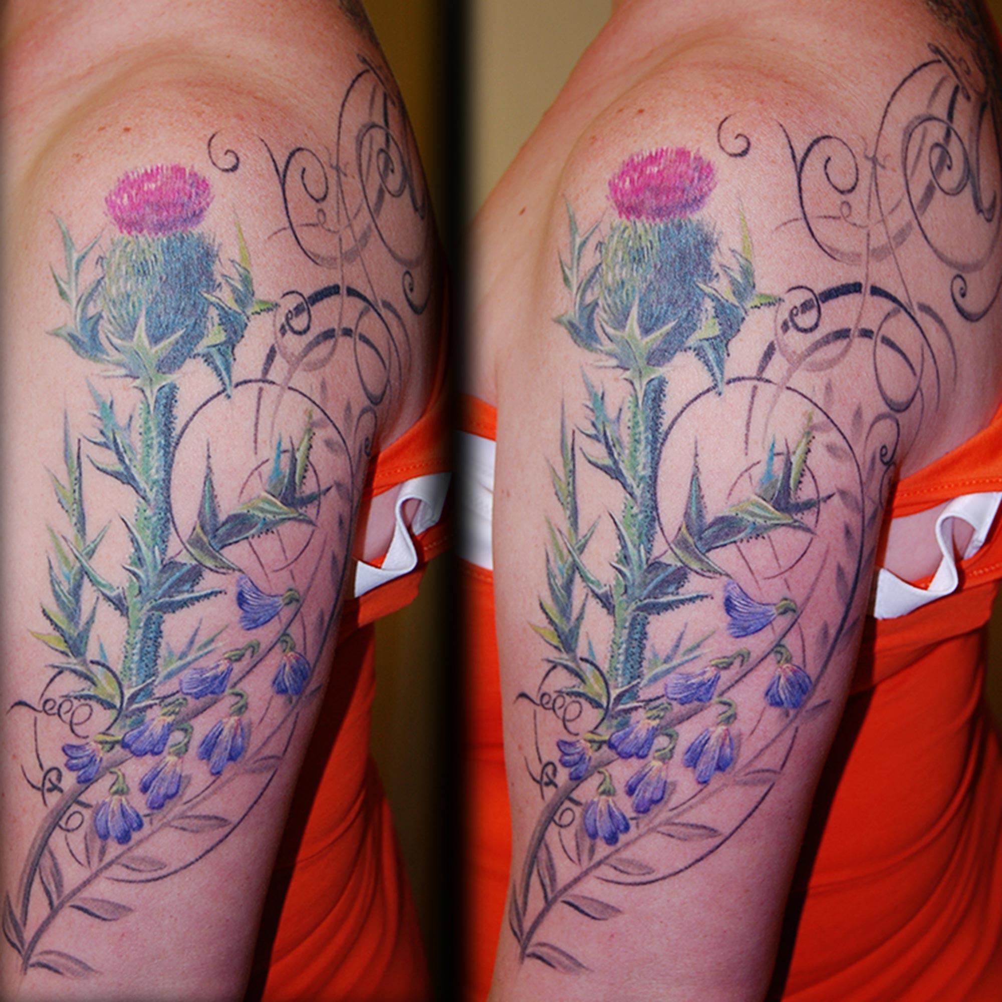 Blumen Distel Ornamentalisch Tattoo München