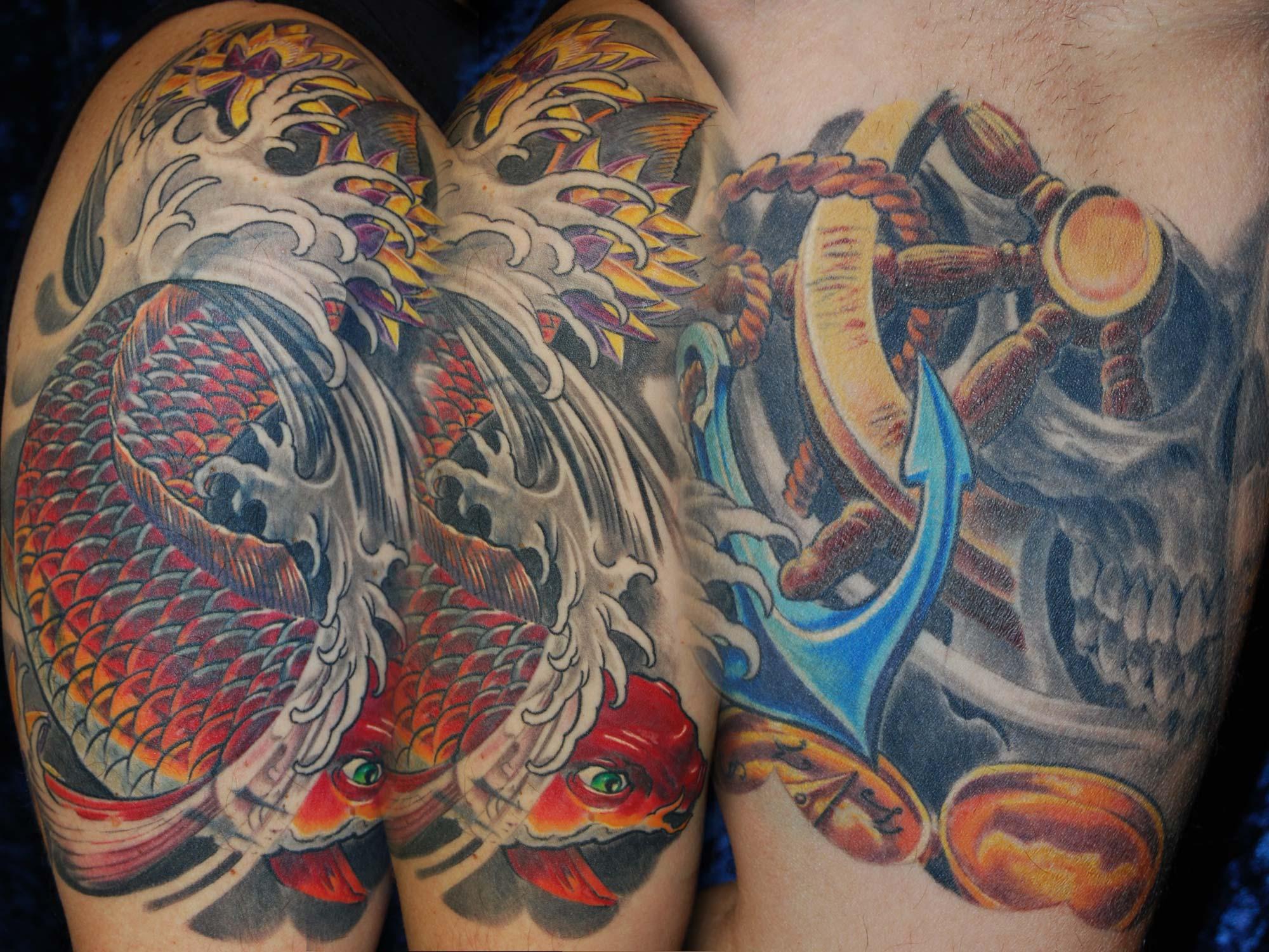 Shit-for-Life-Tattoo-München-Raul Cover up Tattoo Überdeckung Koi Wasser Wellen Totenkopf Anker Steuerrad München Spezialität