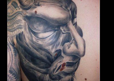 Teufel , gehäutet und gehauntet, Tattoo