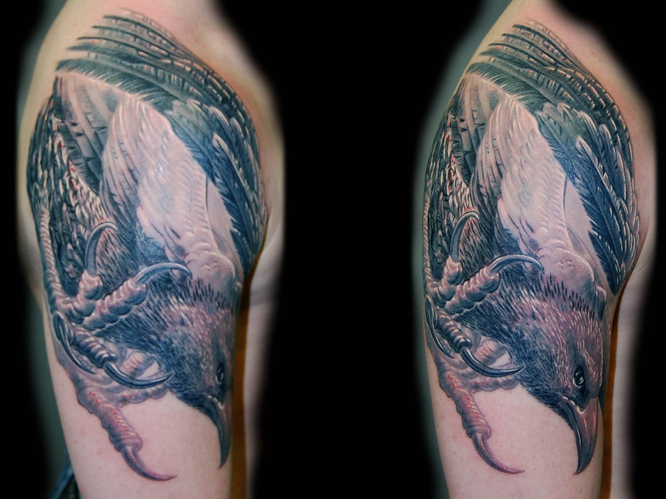 adler-sturzflug-tattoo-muenchen