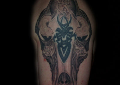 keltischer Hunde Schädel Tattoo