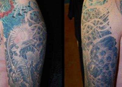 Biomechanik Unterwasser TiefseeFisch mit Qualle Tattoo