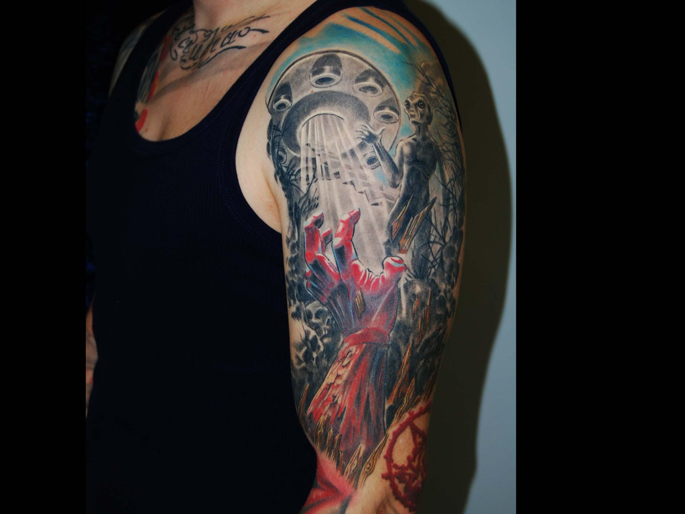 zombie-alien-apocalypse-tattoo-muenchen