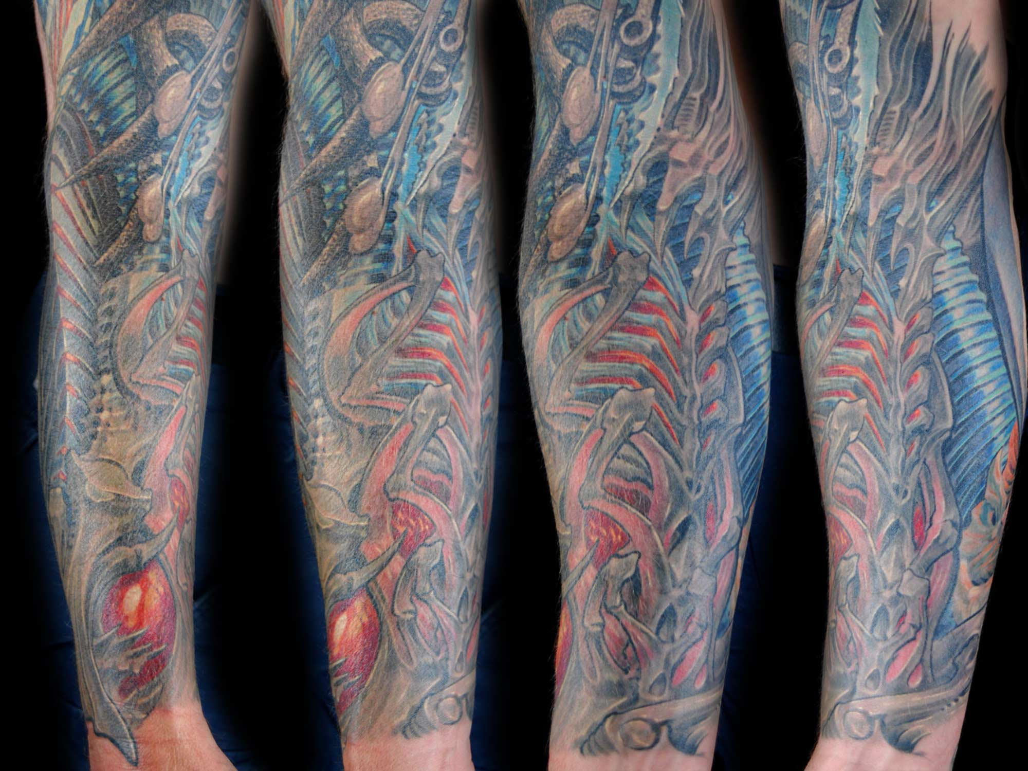 Biomechanik-Alien-Arm-Tattoo-Hits-for-Life-Shit-for-life-Raul-München1