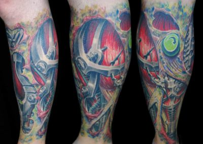 Biomechanik Tattoo mit Leichenflecken