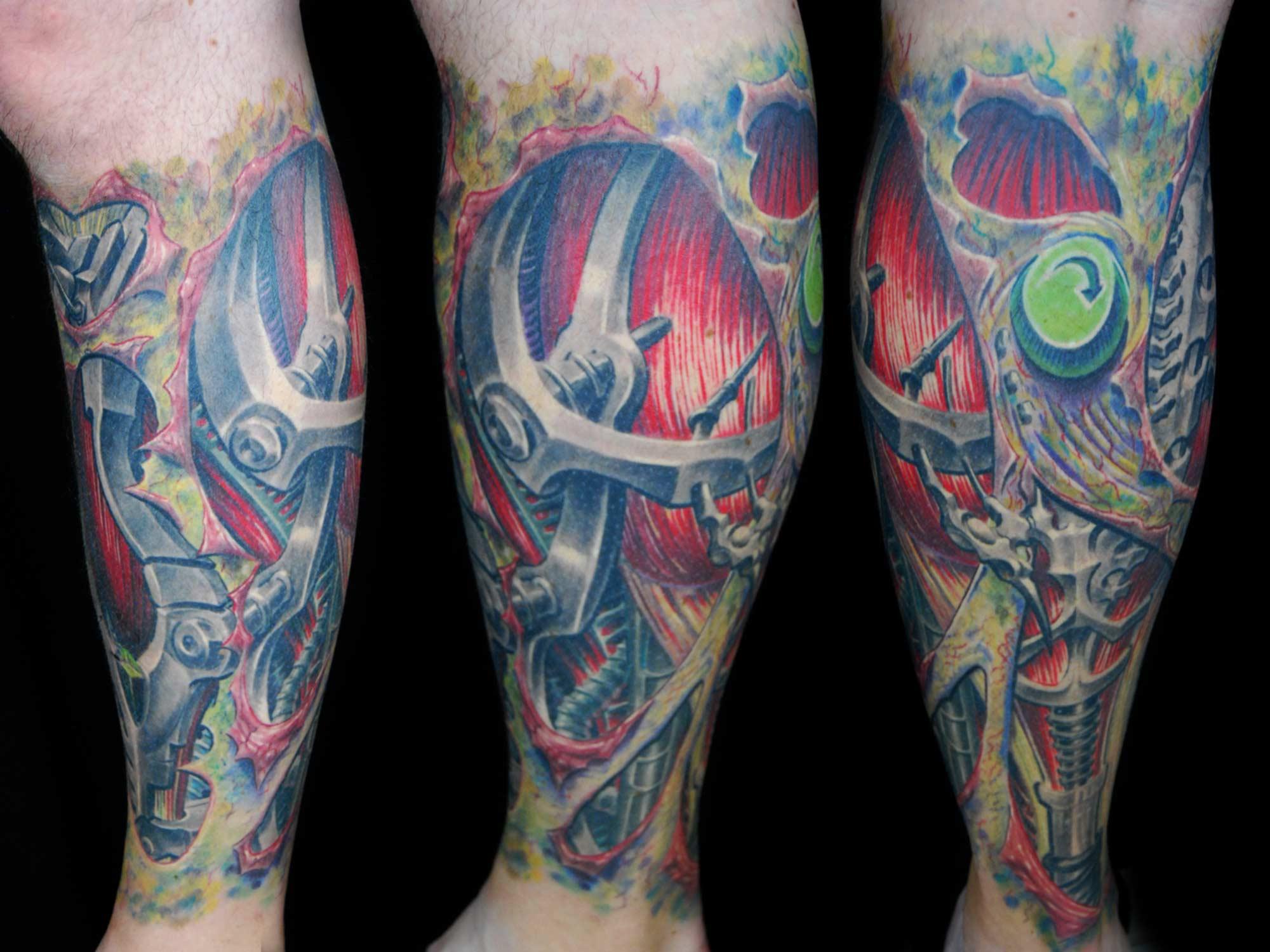 Biomechanik-Wade-Leichenflecken Tattoo